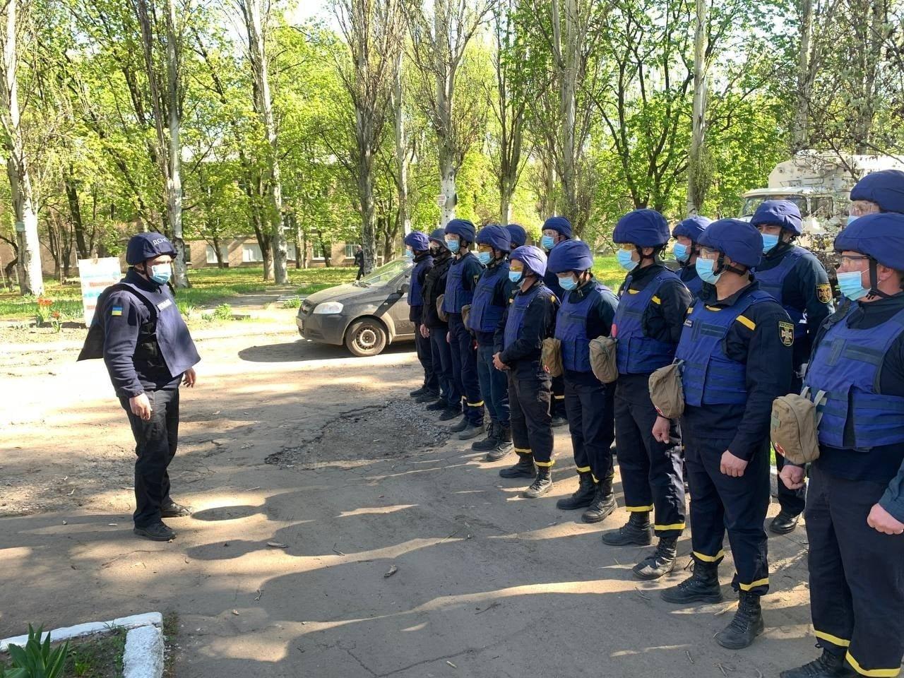 В Красногоровке ликвидируют последствия обстрела больницы,- ФОТО, фото-10