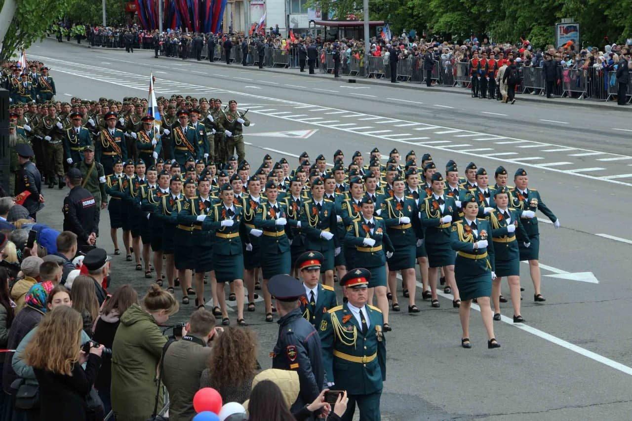 Оккупанты провели военный парад в Донецке, - ФОТО, фото-3
