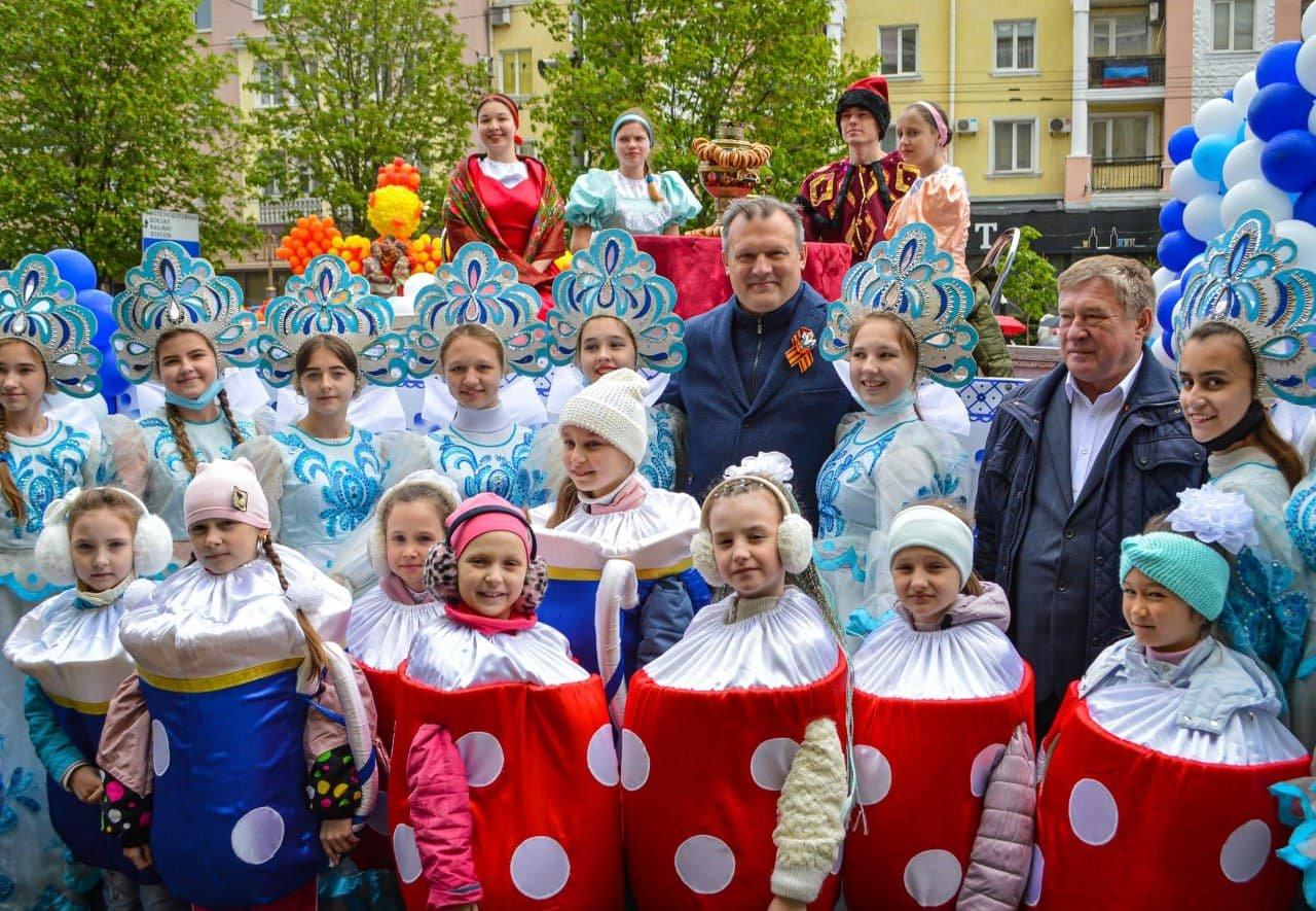 Оккупанты в Донецке отпраздновали очередную годовщину «референдума ДНР», - Фото, фото-6