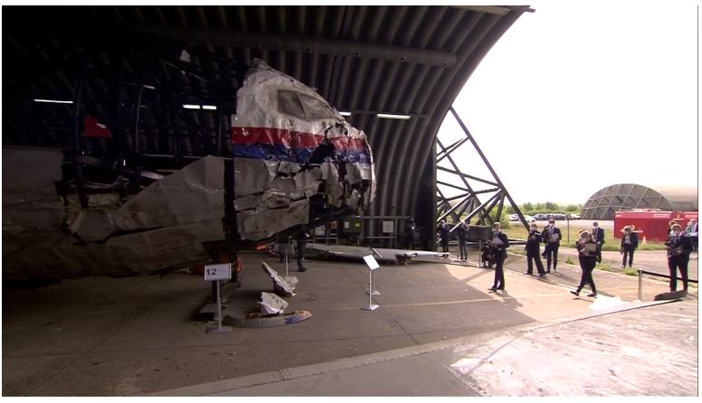 В Нидерландах началось выездное судебное заседание на месте реконструкции самолета, - ФОТО, фото-7
