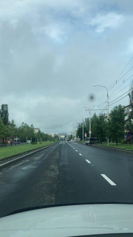 Непогода в Донецке: упавшие деревья, порванные провода и вышедшие из берегов ставки, - ФОТО, ВИДЕО, фото-3