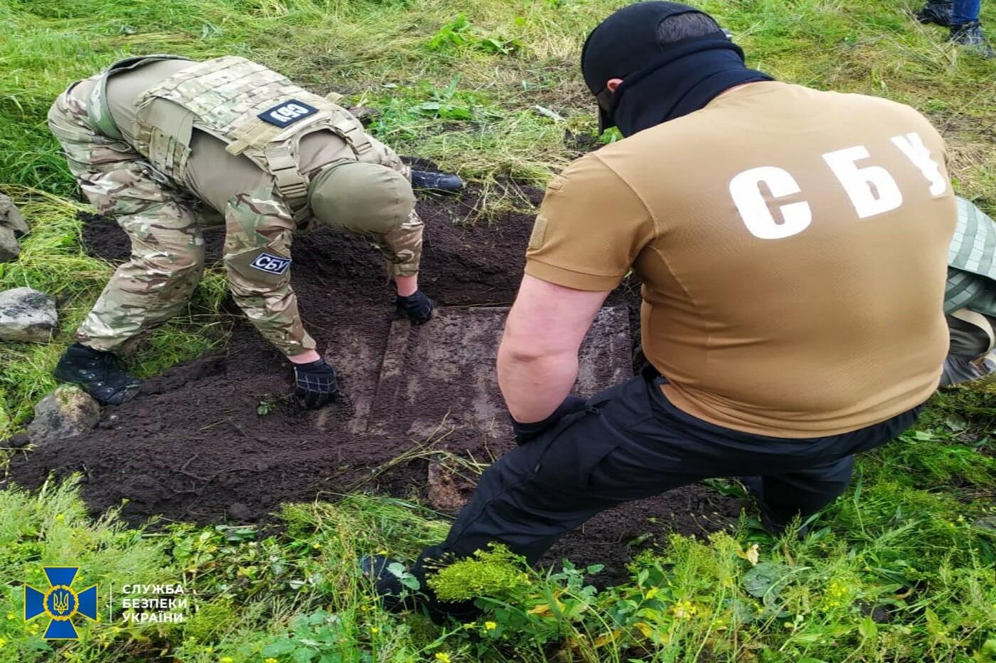Гранаты, мины и патроны: в Донецкой области нашли схрон снайпера «ДНР»,- ФОТО, фото-2