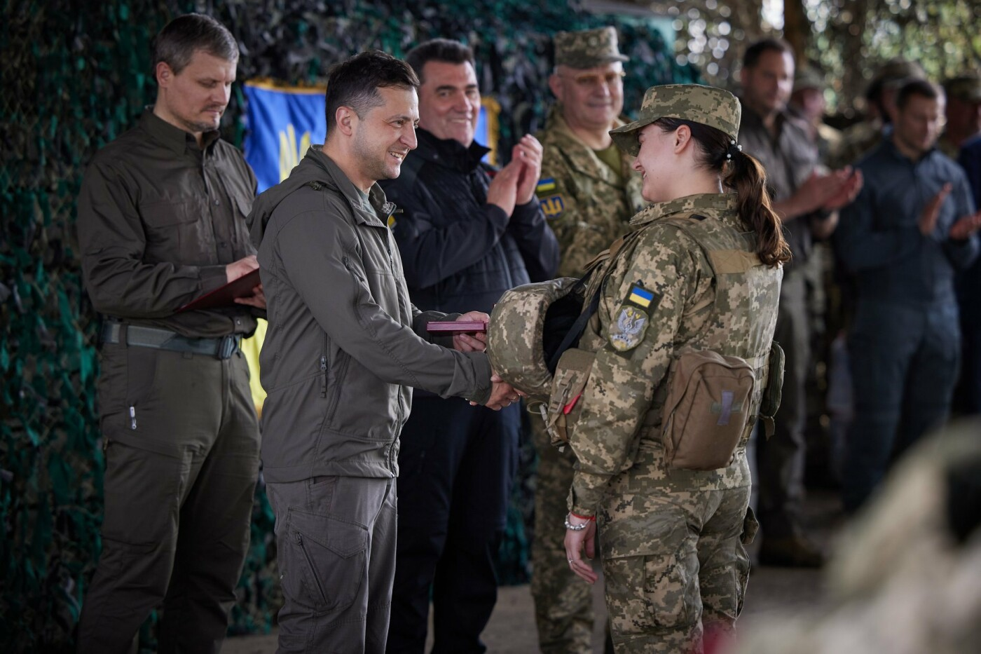 Зеленский посетил передовую на Донбассе, - ФОТО, фото-2
