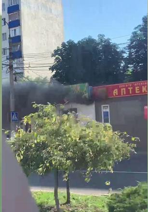 """В Донецке загорелся """"Сытый папа"""", - ФОТОФАКТ, фото-1"""