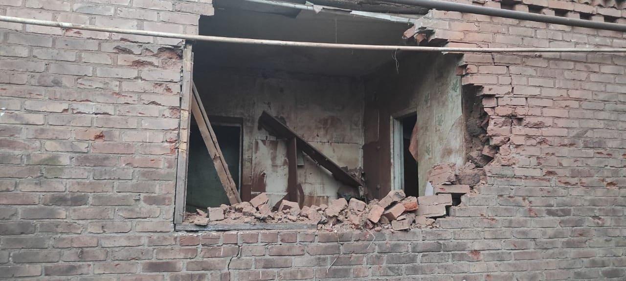 Оккупанты обстреляли украинский Нью-Йорк: повреждены дома мирных жителей, - ФОТО, фото-2