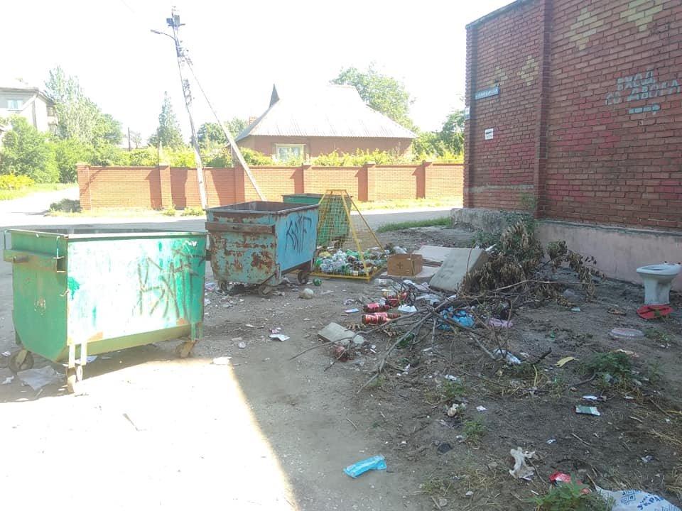 «Тарифы подняли, на мусор забили»: Донецк завален мусором, - ФОТО, фото-6