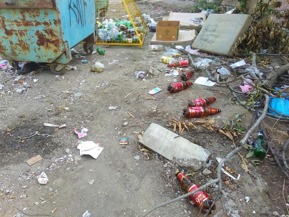 «Тарифы подняли, на мусор забили»: Донецк завален мусором, - ФОТО, фото-9