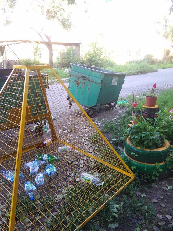 «Тарифы подняли, на мусор забили»: Донецк завален мусором, - ФОТО, фото-10