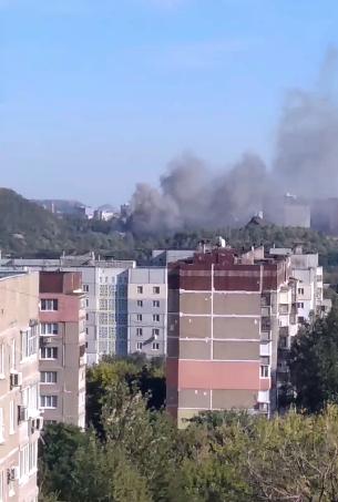 Крупный пожар в Донецке: горит цех по производству воды, - ФОТО, фото-1